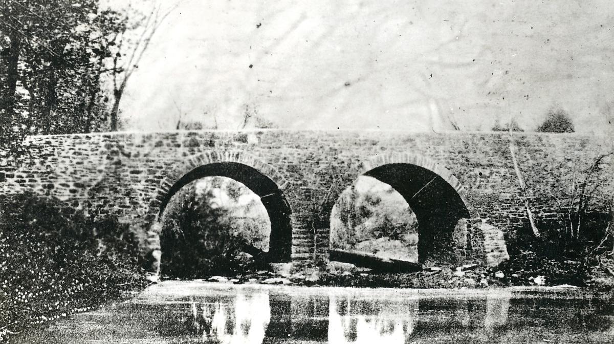 black and white image of the Stone Bridge at Manassas national Battlefield Park