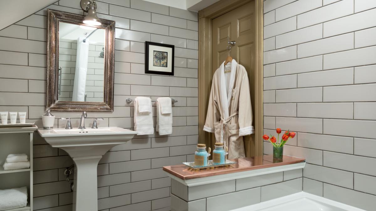 A luxurious bathroom at Sayre Mansion in Bethlehem, PA