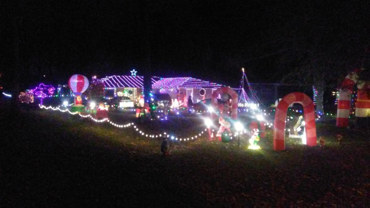 1127 W Ludwig - Best Christmas Lights Display - North - Fort Wayne
