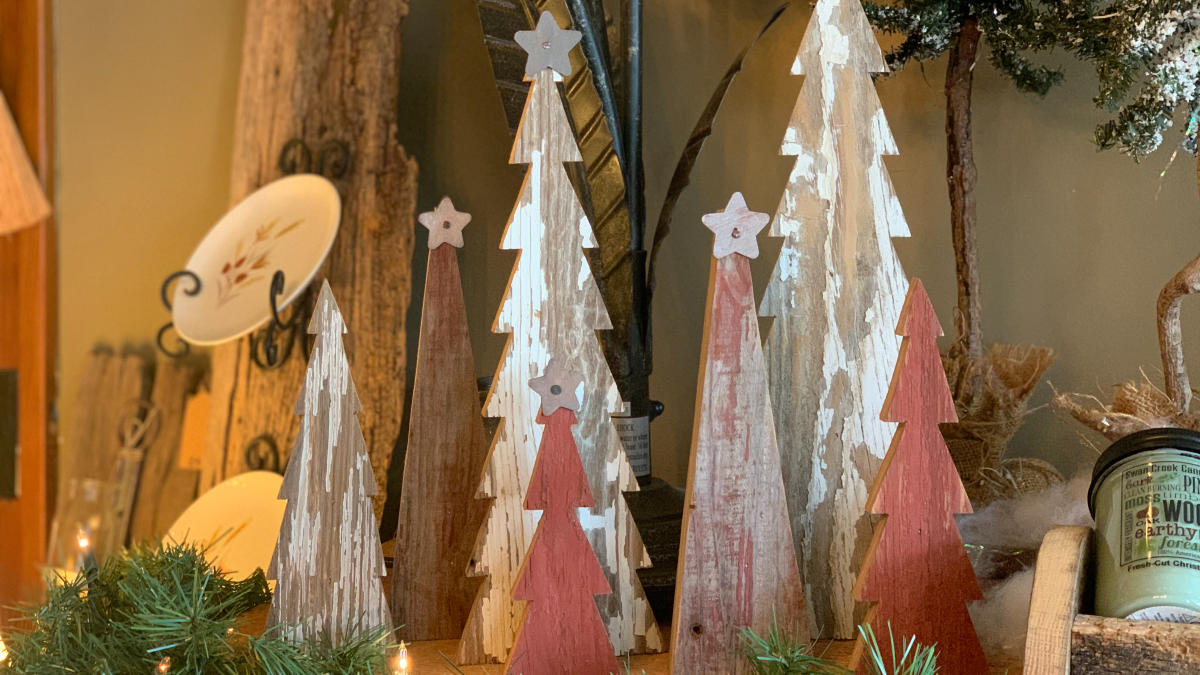 Barnwood Christmas Tree Decor