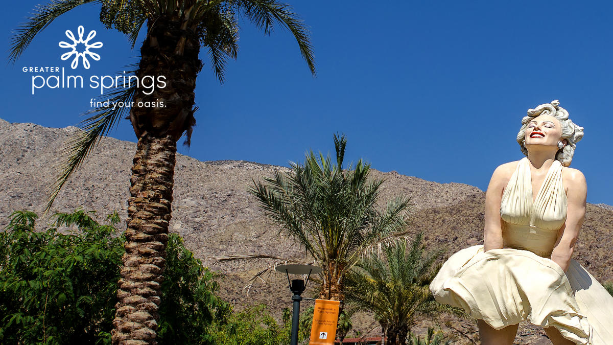 Zoom Background of Marilyn Monroe statue in Palm Springs