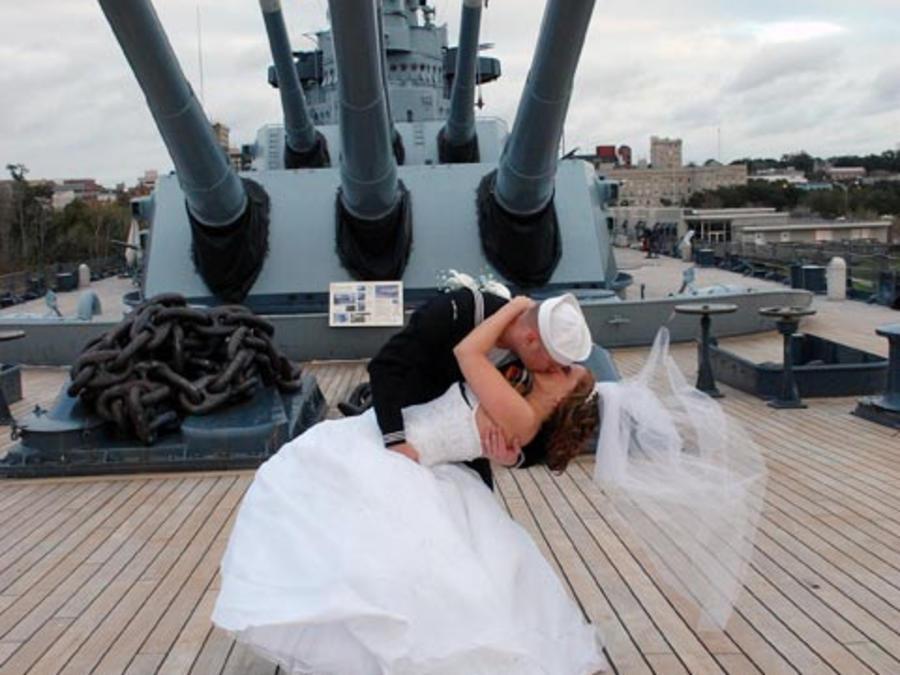wedding on the battleship 4x3