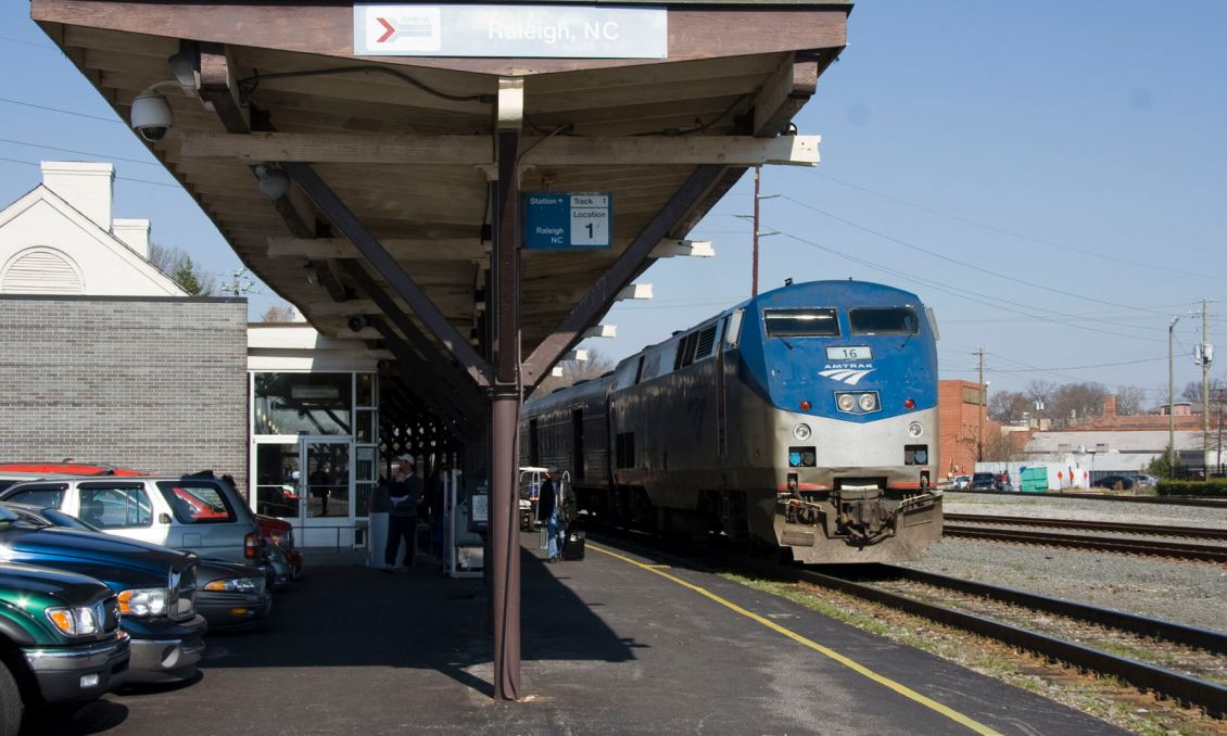 Amtrak_Carolinian_Stopped_at_Raleigh_NC-196.jpg