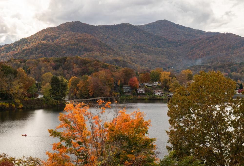 A gorgeous fall vista at Lake Junaluska near Asheville, NC