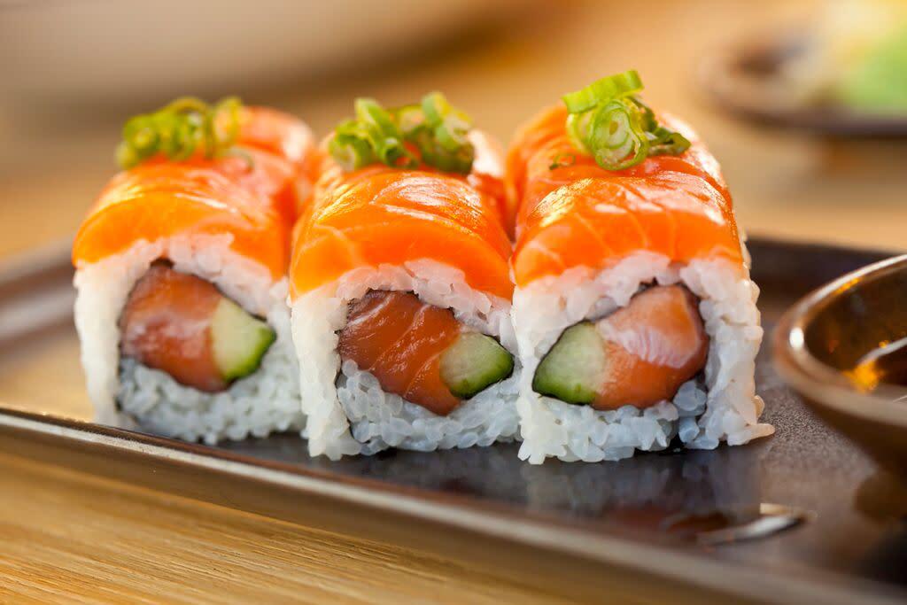 Mikuni Sushi Fresh Roll