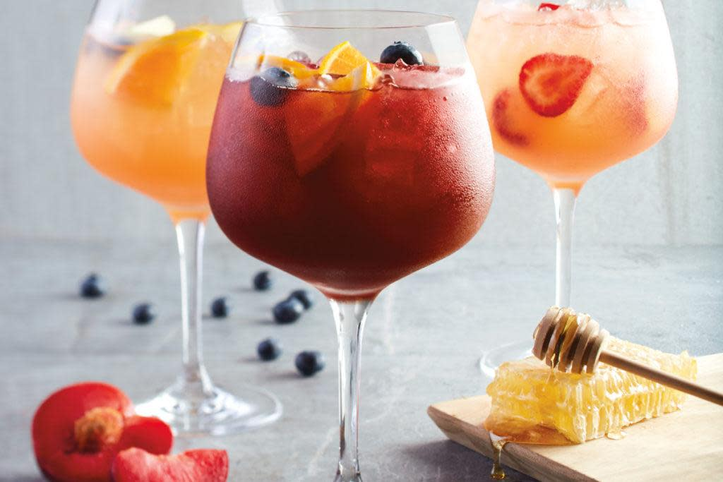 Happy Hour Drinks at California Pizza Kitchen