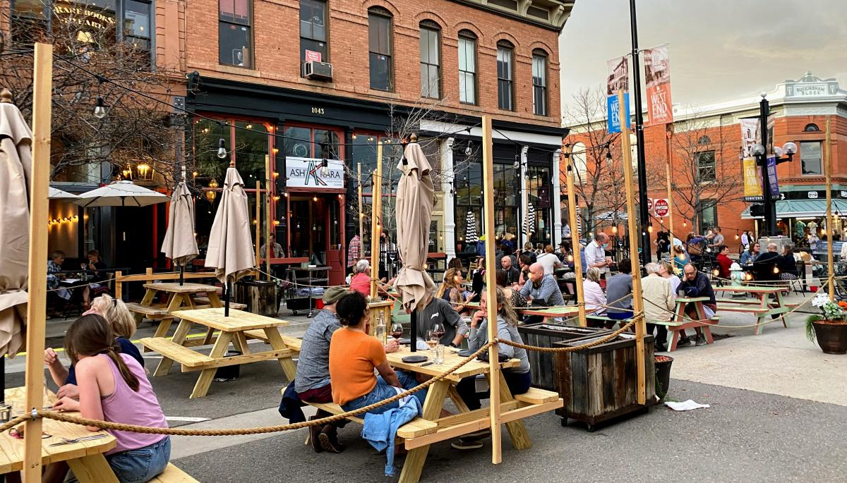 Downtown Dining on Pearl Stree