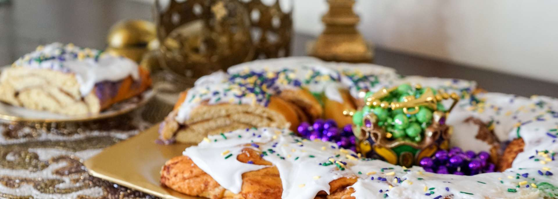 Swell Best King Cakes In New Orleans Birthday Cards Printable Trancafe Filternl