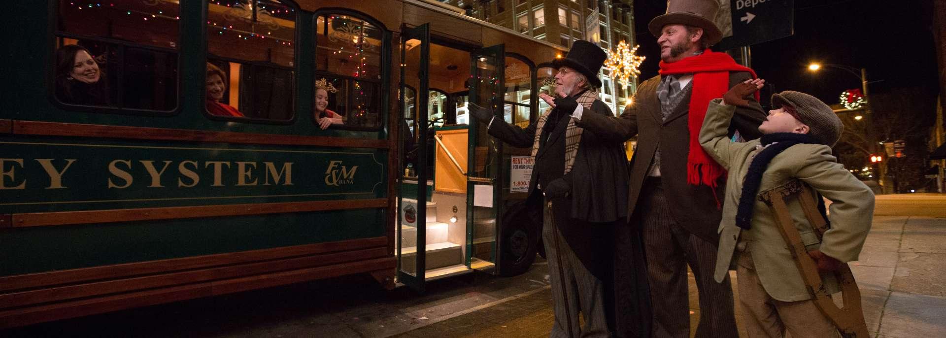 Scrooge Holiday Trolley Tour in Salisbury