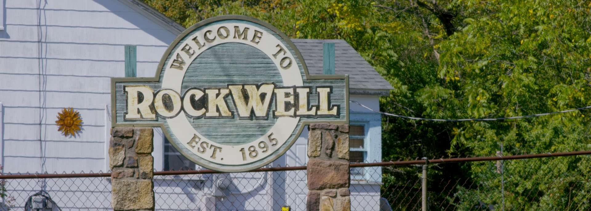 Town sign for Rockwell