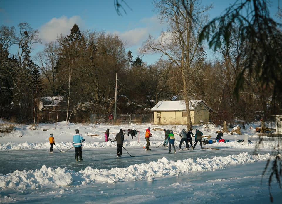 toronto-islands-in-winter-ice-skating-photo-by-arienne-parzei