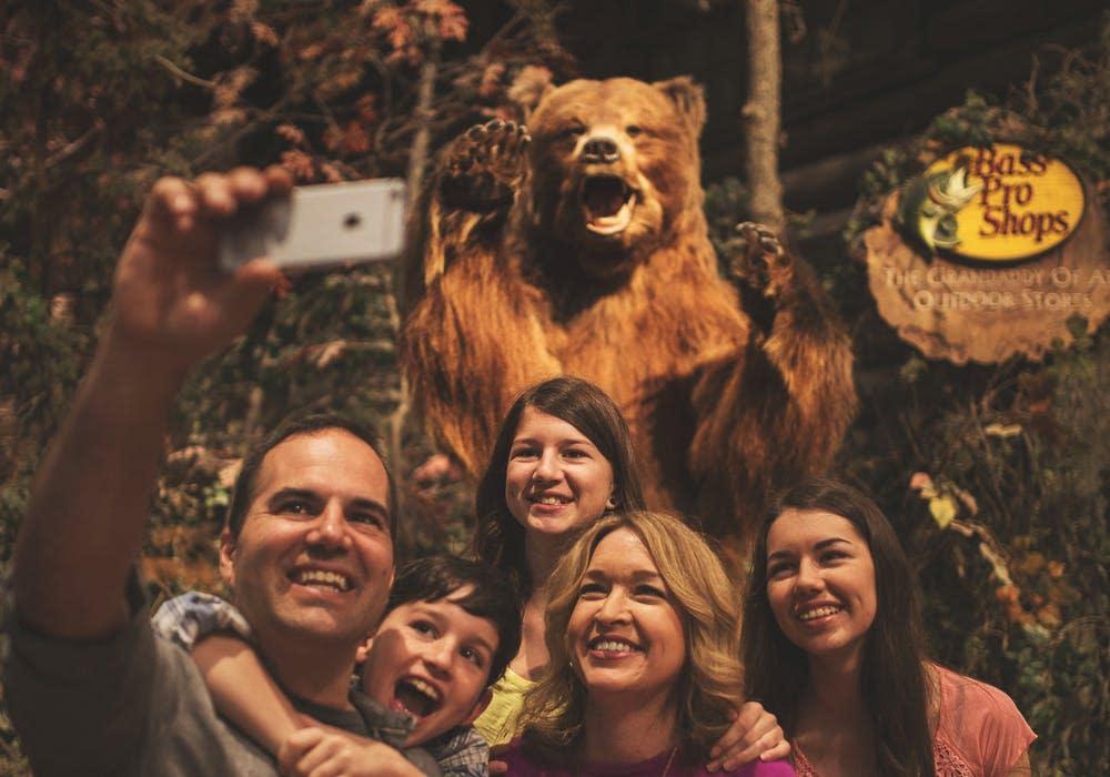 Bass Pro Bear Family