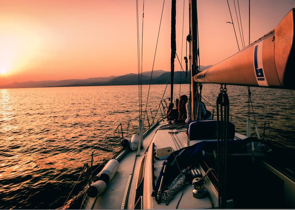 Sailing-boat-on-the-san-francisco-bay