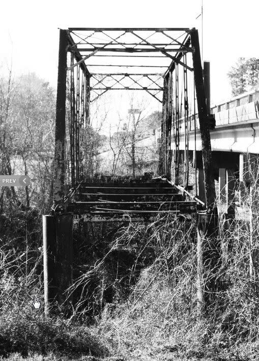 abandoned_truss_bridge__fm_2854_over_san_jacinto_river