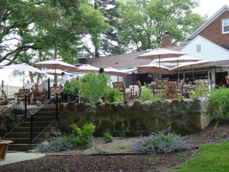 River House Inn patio