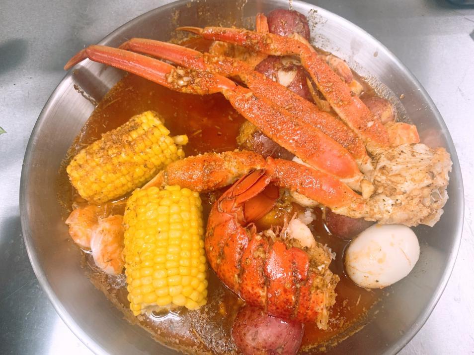 Tangy Crab Lansing Boil
