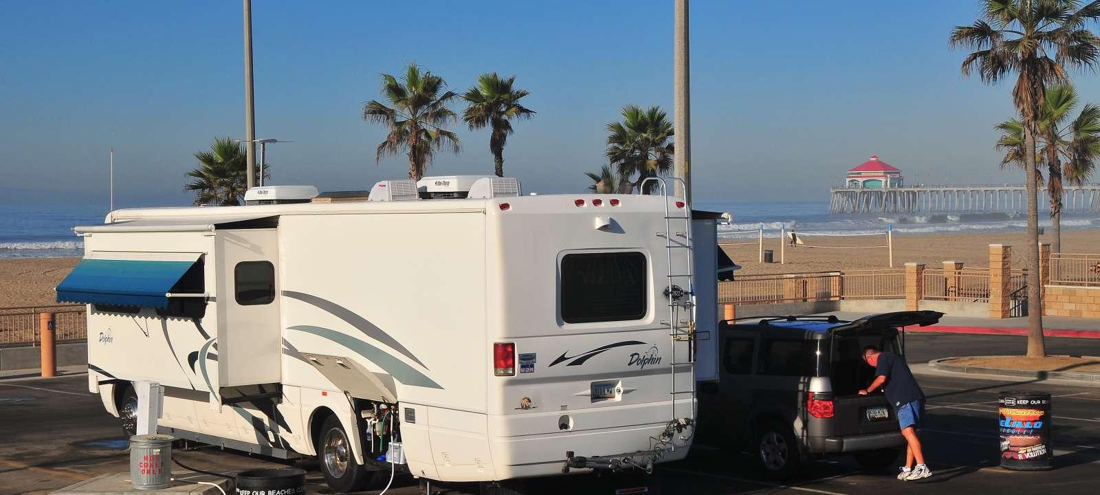 d64a2a0d1f RV Camping in Huntington Beach