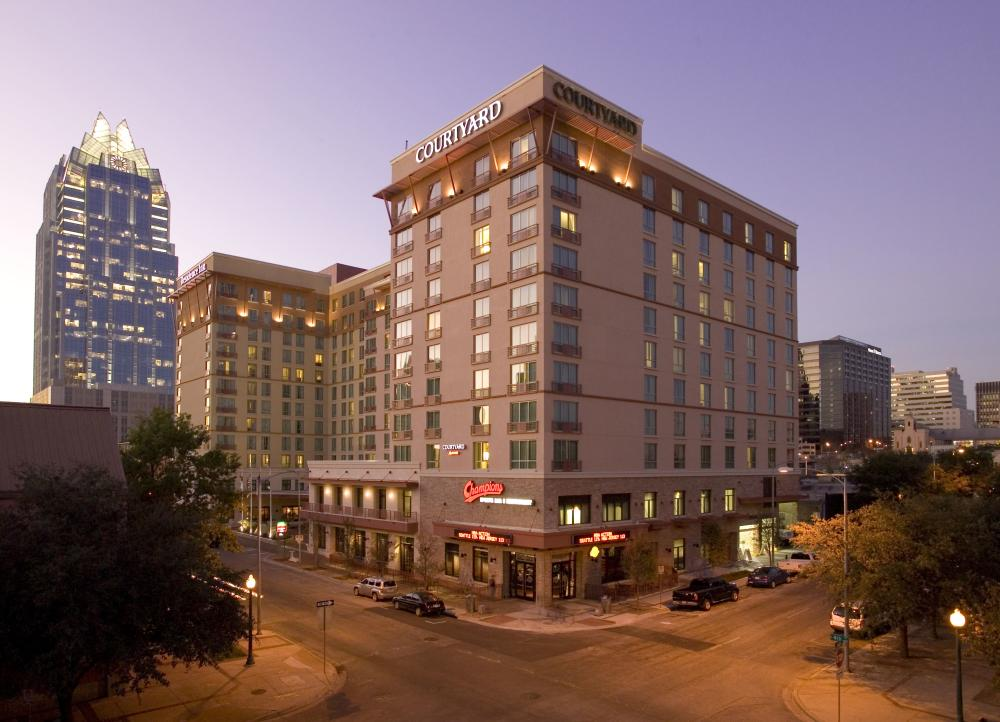 Exterior of Courtyard and Residence Inn Austin Hotels
