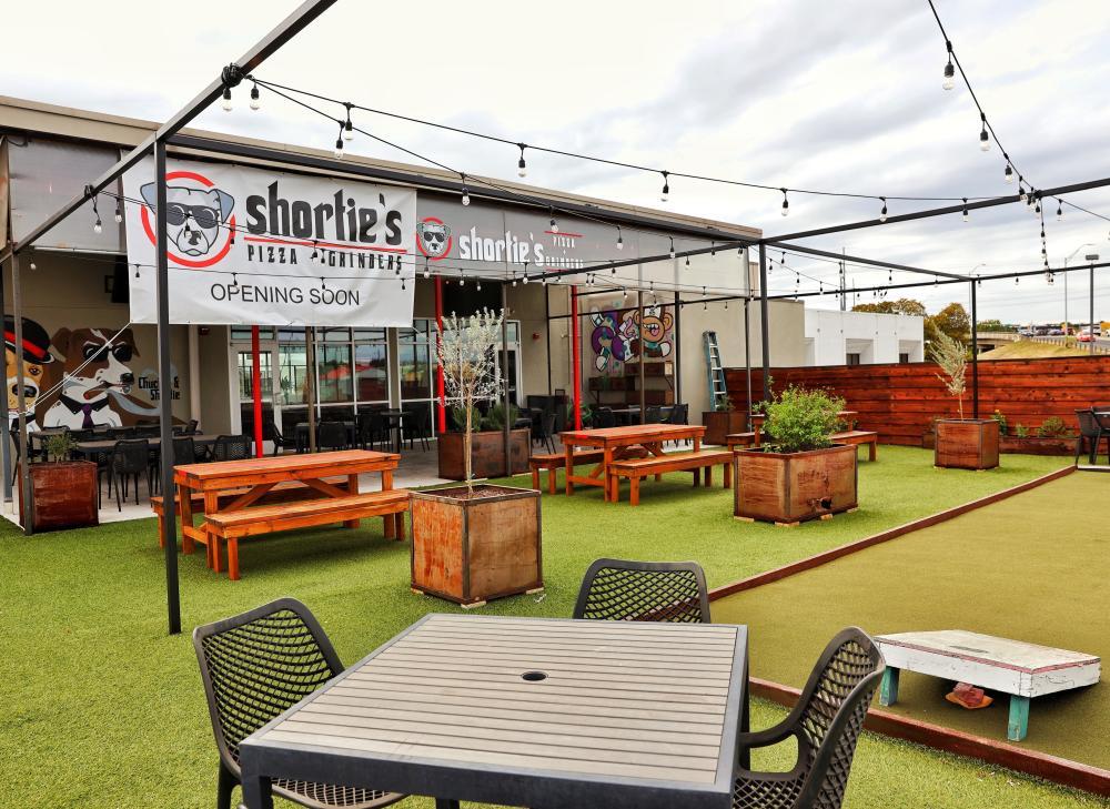 Shorties Pizza and Grinders restaurant outdoor patio in Austin Texas