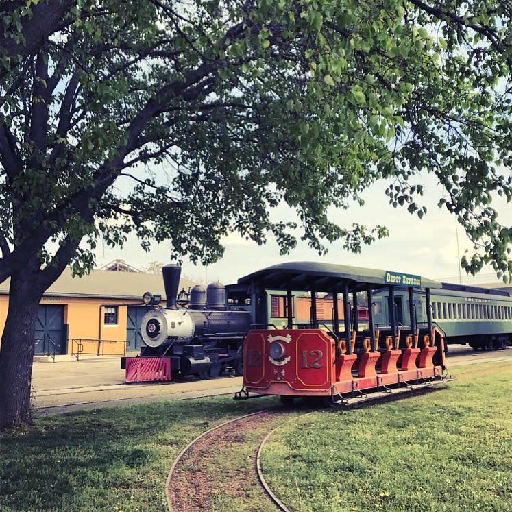 huntsville train depot