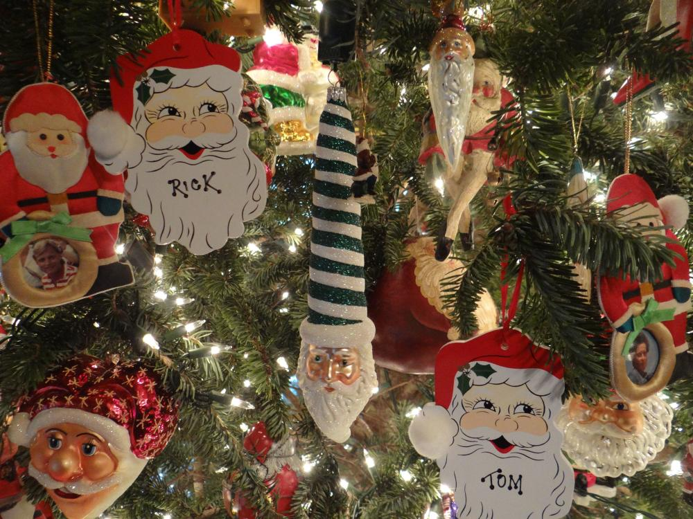 The Santa tree at Engadine Inn and Cabins near Asheville, NC
