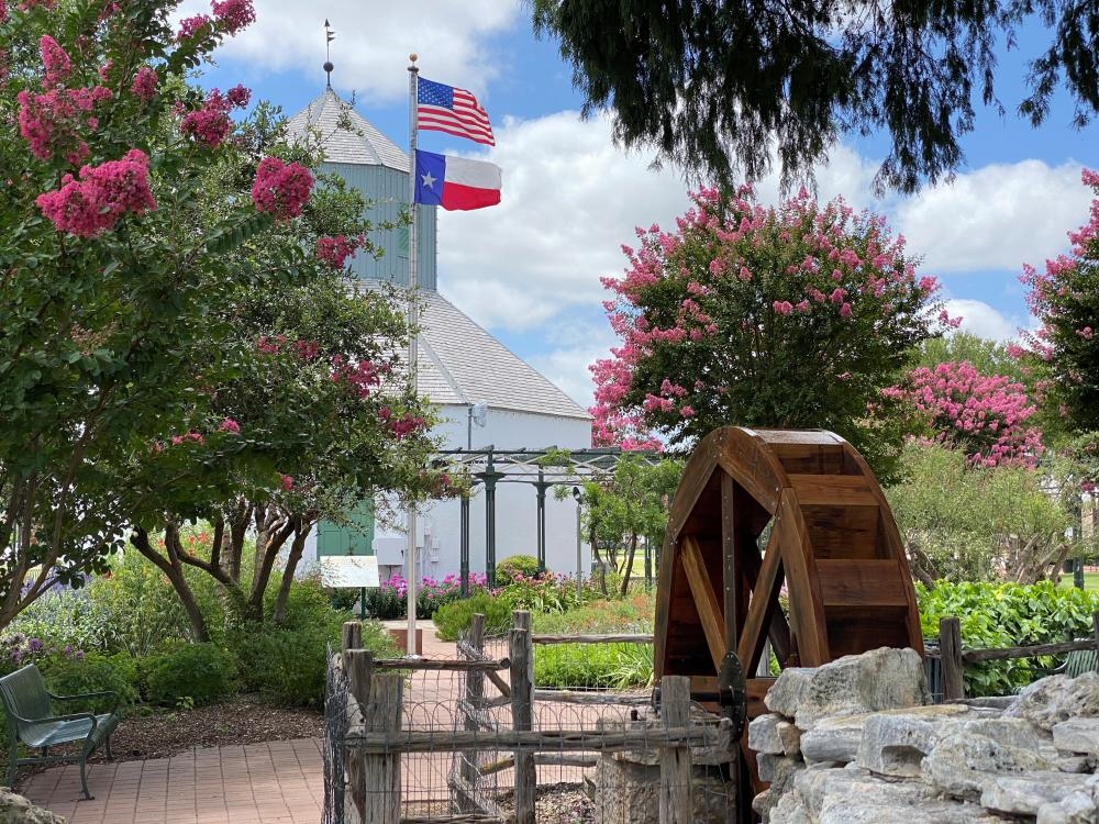 Marktplatz is located in the center of Fredericksburg and is great spot to stop and enjoy the outdoors.