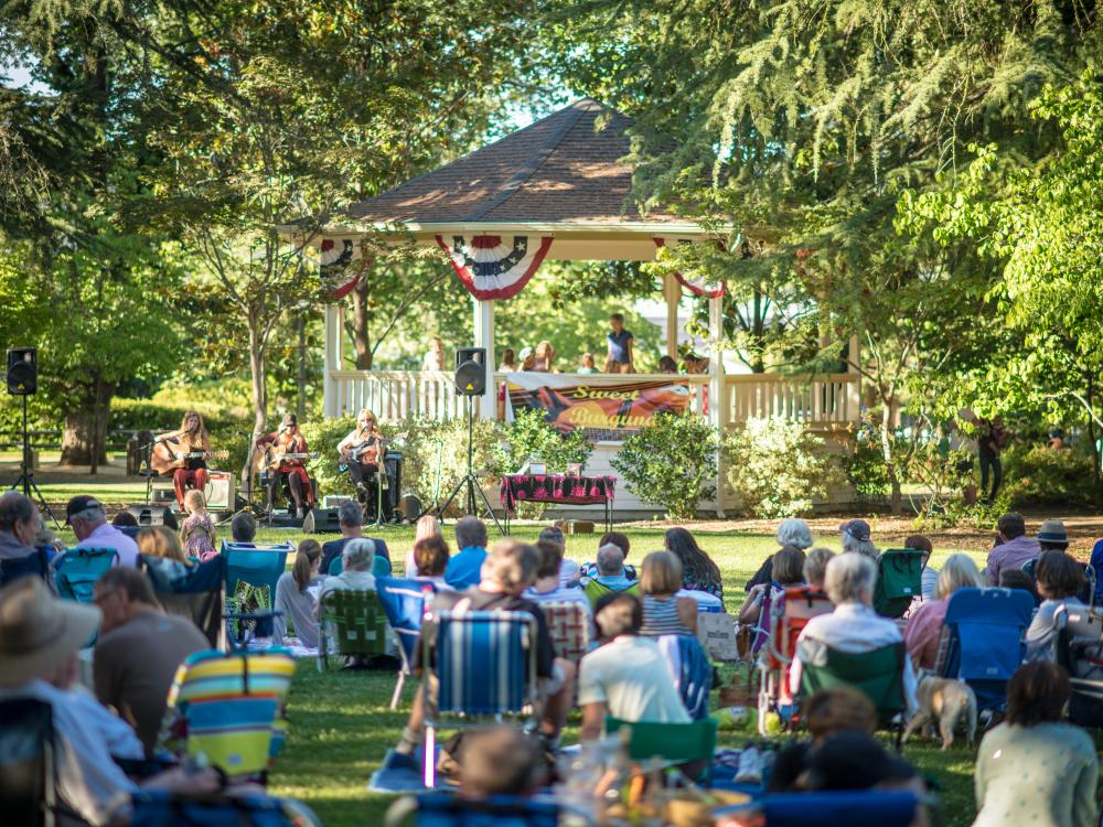 Summer concert in St Helena Lyman Park
