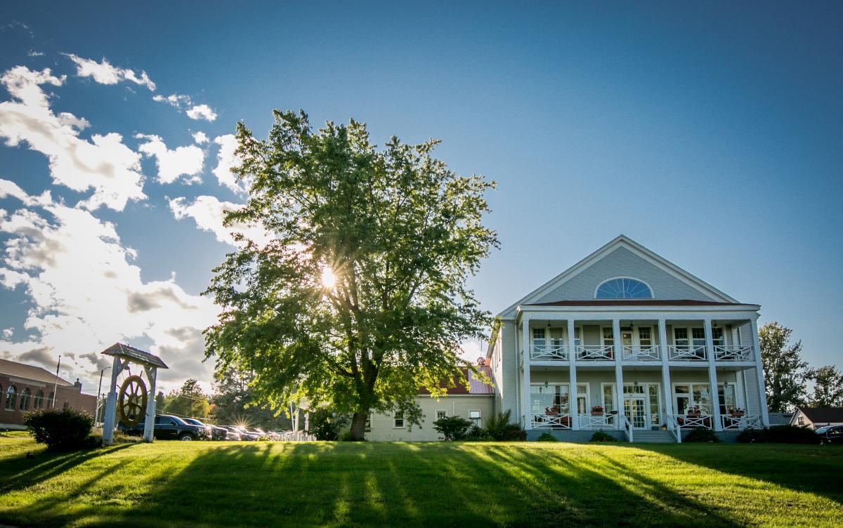 The exterior of The Thunder Bay Inn in Big Bay, MI