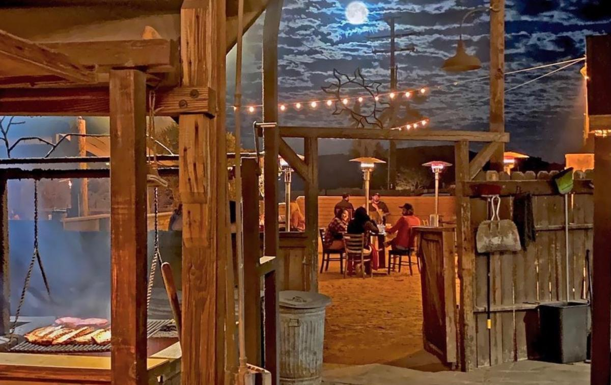 Outdoor dining at Pappy & Harriet's Pioneertown Palace