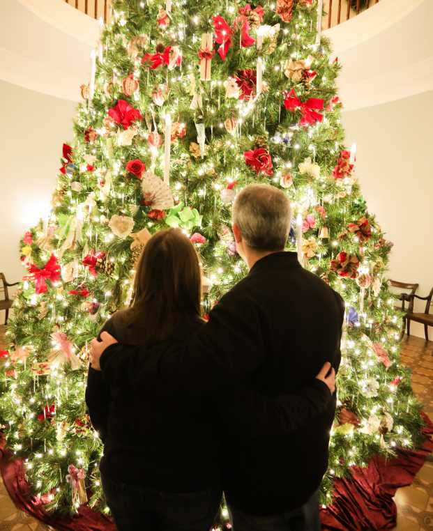 Mansion Christmas tree