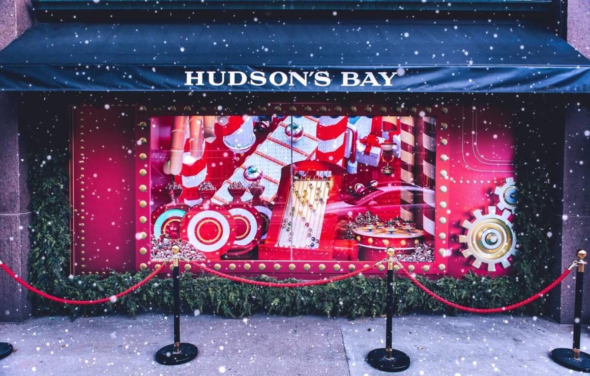 holiday-shopping-Hudsons_Bay_Windows