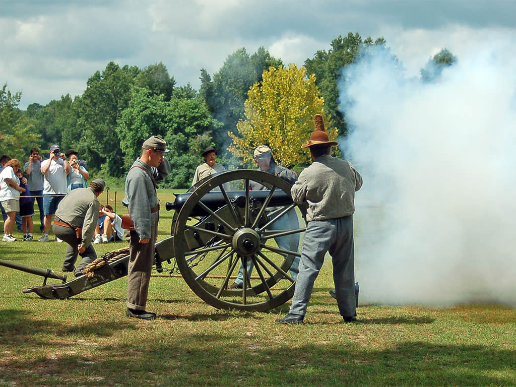 Bentonville Battlefield State Historic Site artillery demostration near Four Oaks, NC.
