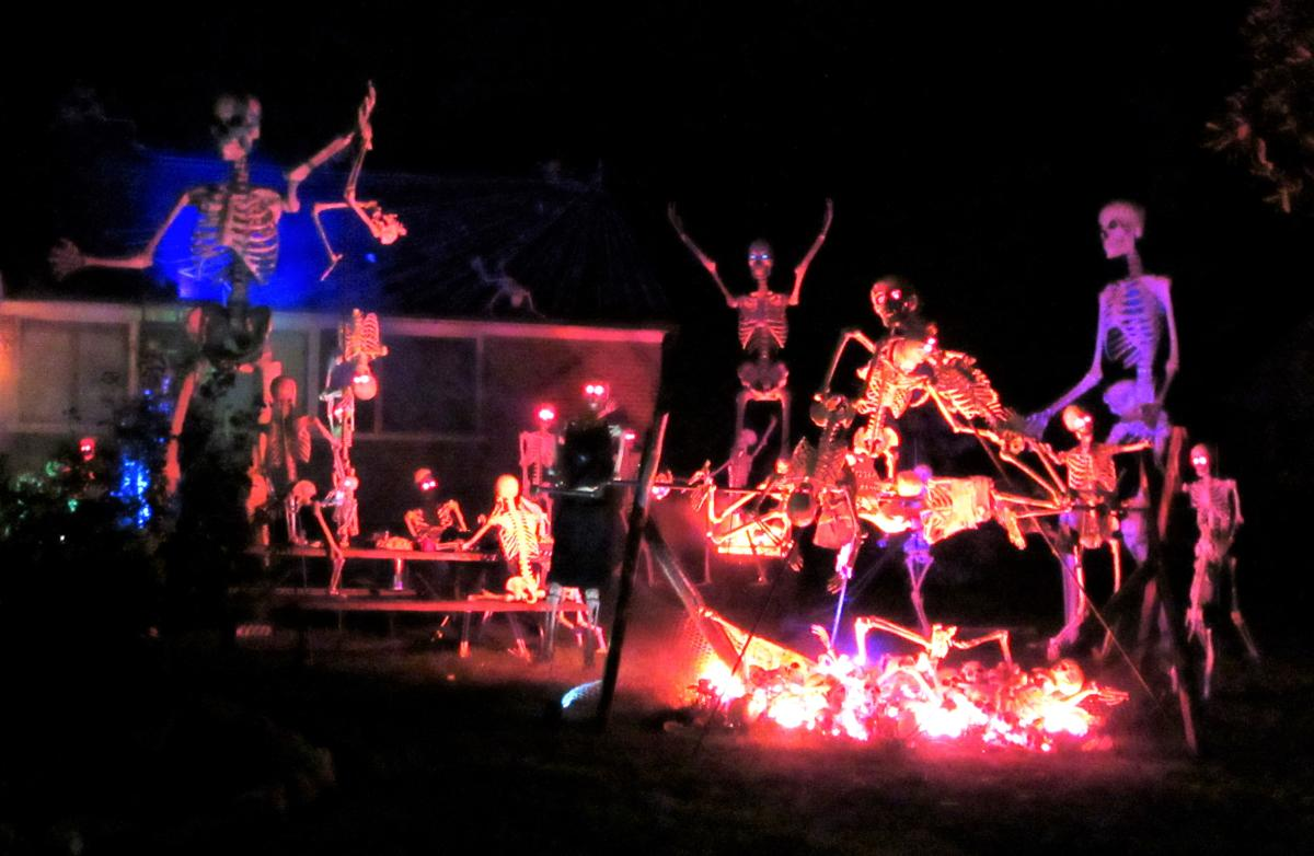 Mount Vernon Memorial Hwy Halloween Light Display