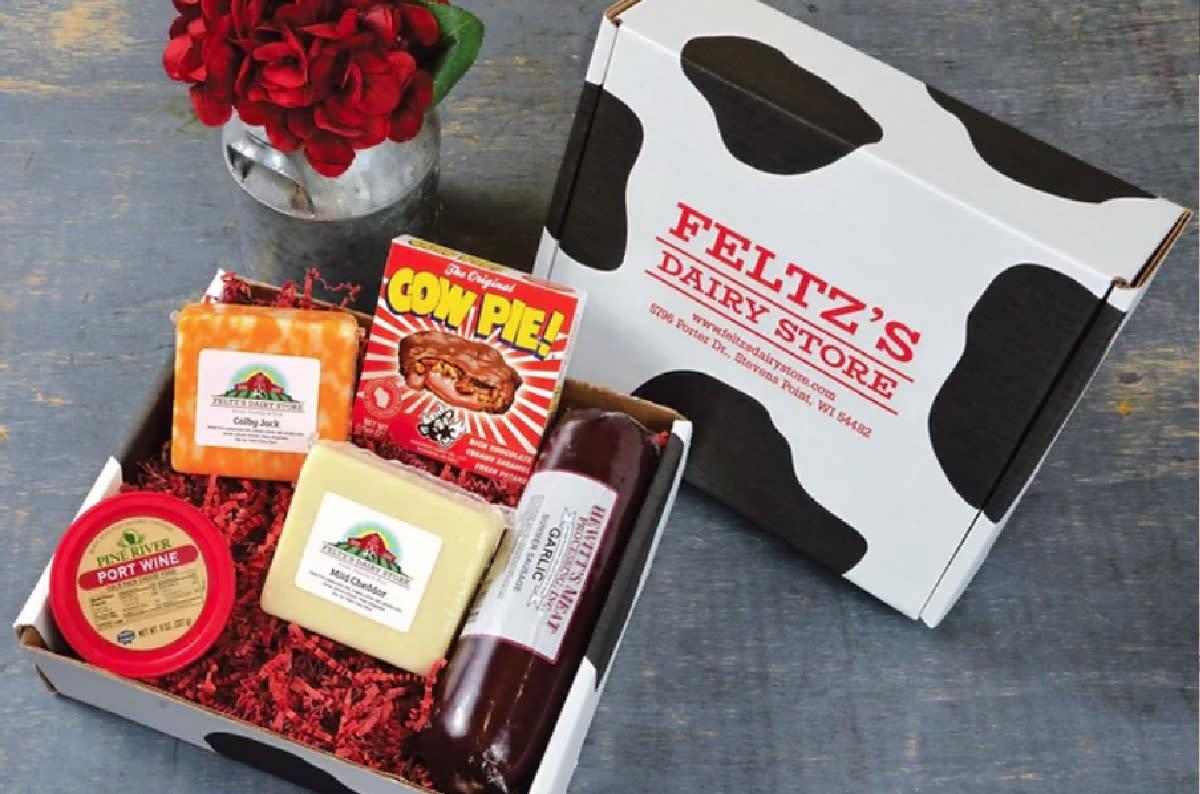 Wisconsin Sampler Deluxe Gift Box | Feltz Family Farms & Dairy Store