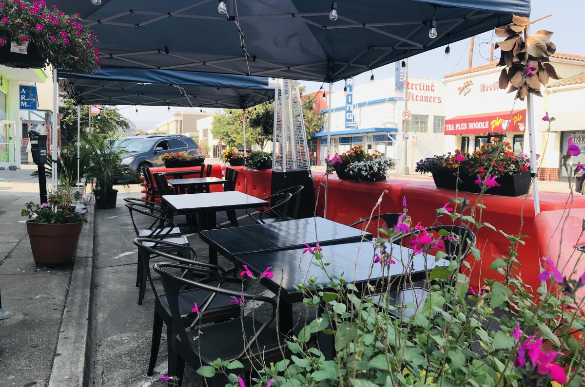 Outdoor Dining setup at Coconut Bay Thai Restaurant in Burlingame, CA