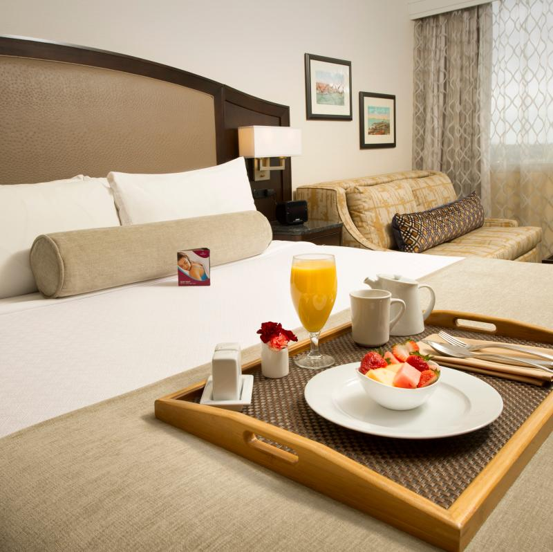 Crowne Plaza Seattle Airport Hotel bed and breakfast