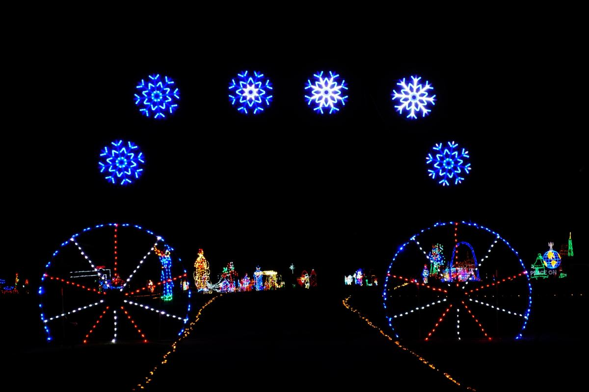 Christmsas light displays at the Clarksville Speedway