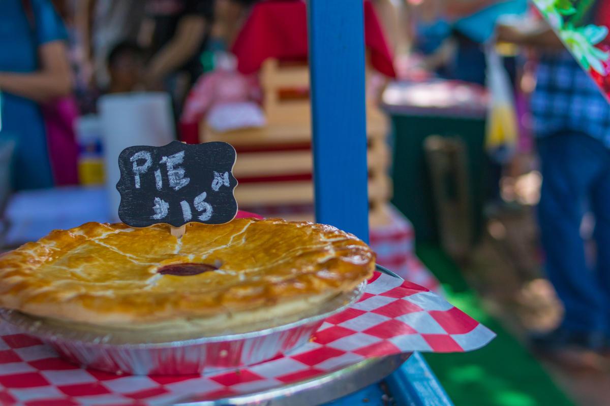 Peddler's Village Strawberry Festival