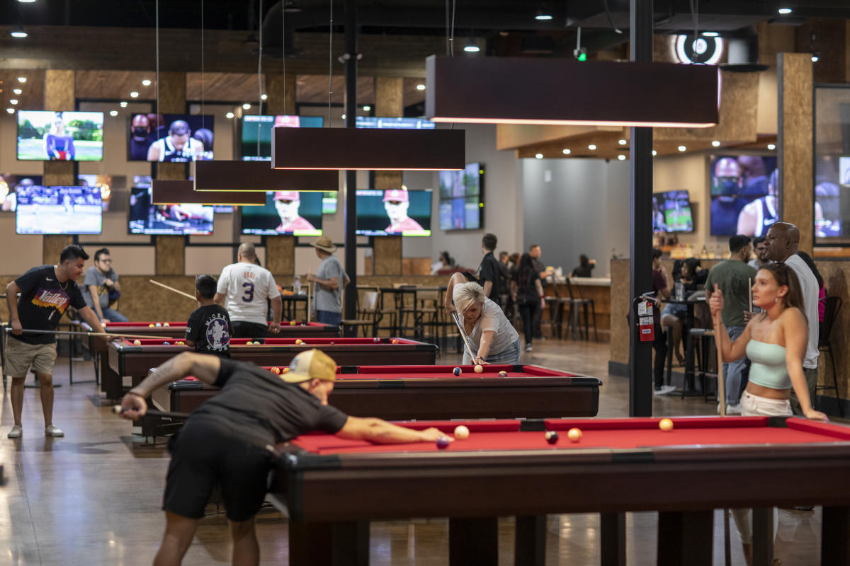 810 Billiards & Bowling Chandler - Billiard Tables
