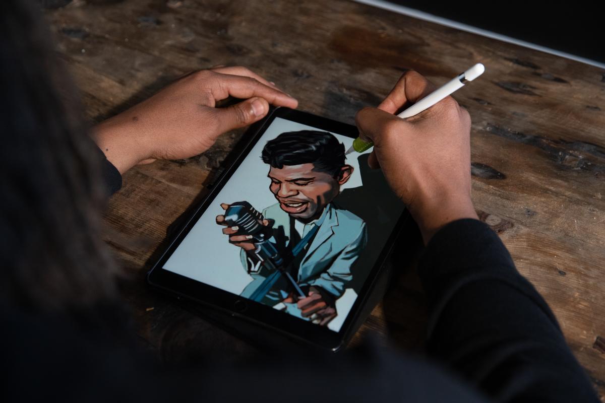 Evan Williams creates a digital art piece