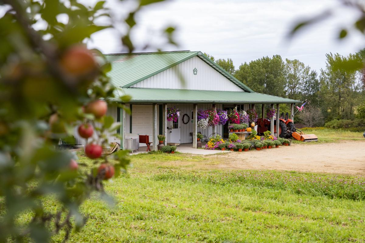 Exterior of Maple Leaf Orchard in Spring Valley, WI