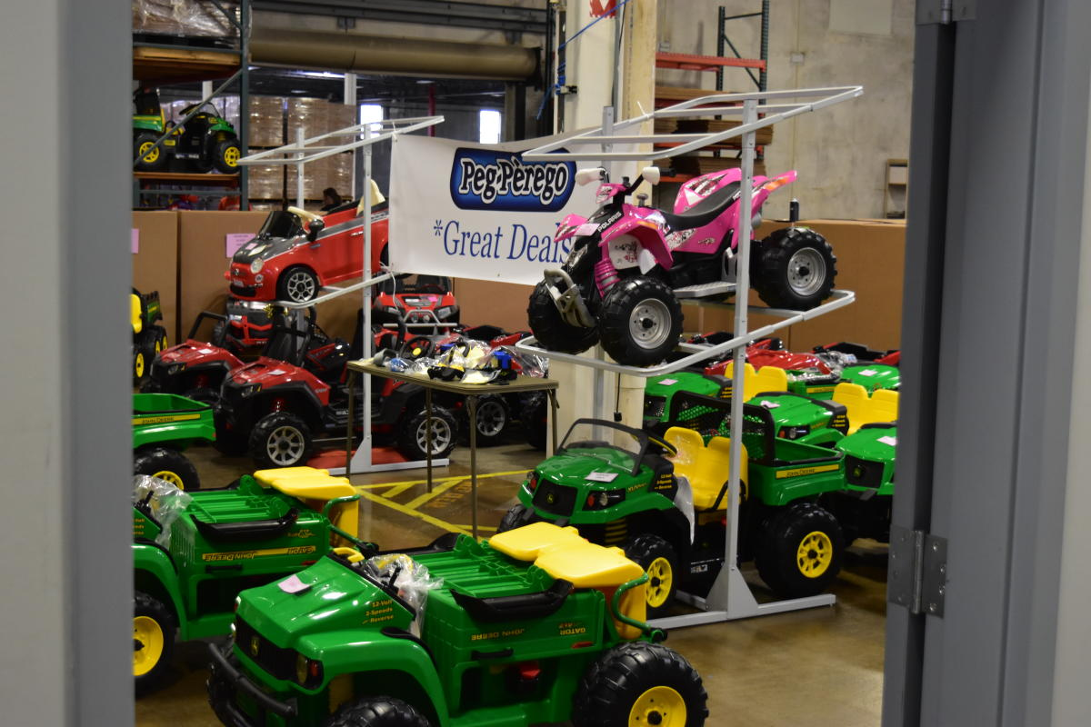 Peg Perego Winter Factory Sale in Fort Wayne, Indiana
