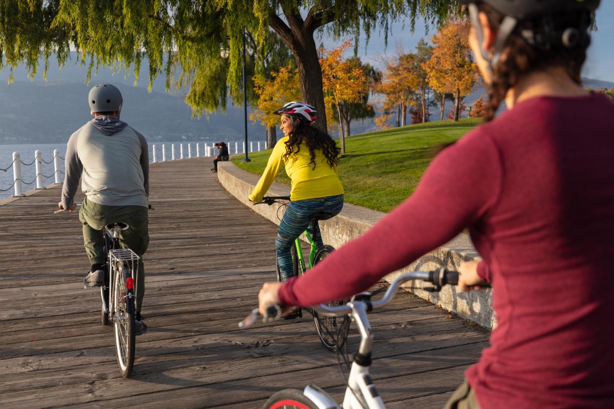 Group Biking at Waterfront Park (4)