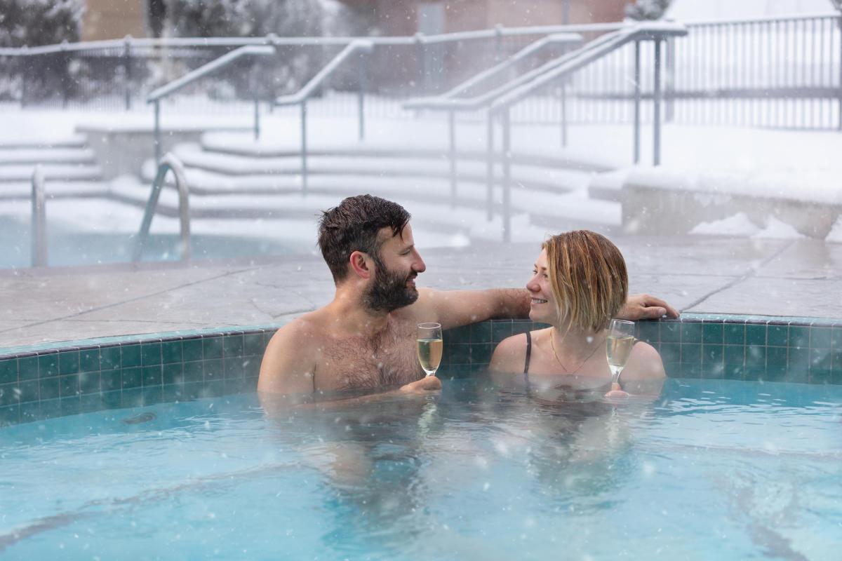 Outdoor Pools-Delta Hotels by Marriott Grand Okanagan Resort-Snowy in Winter (1)