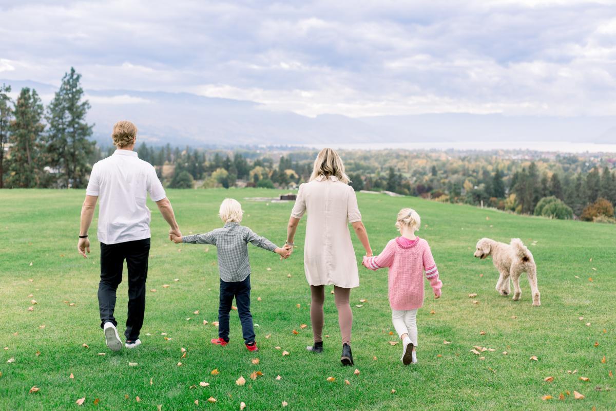 Ria & Trent Kitsch plus their Kids