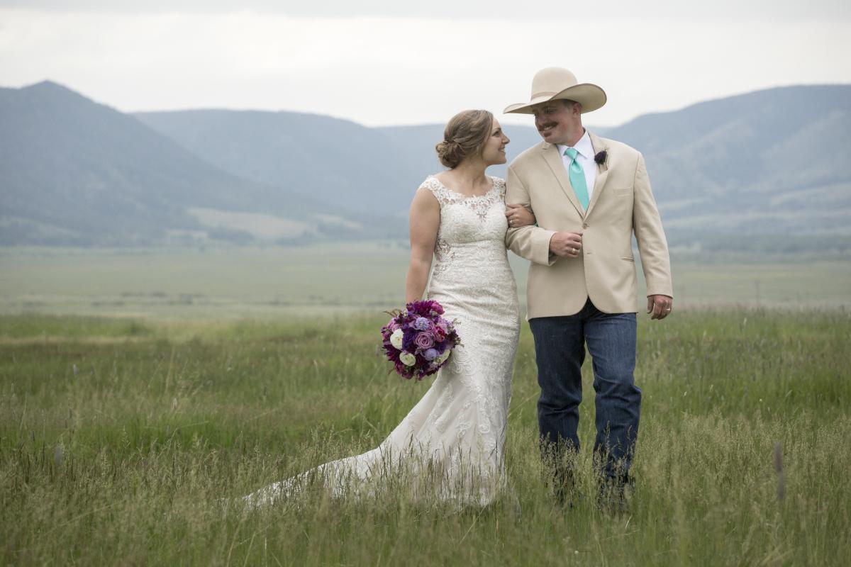 western couple Deerwood Ranch wedding Centennial, Wyoming