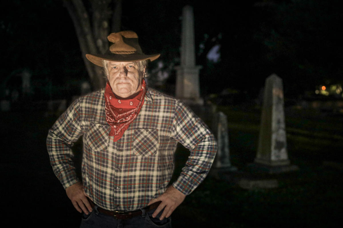 Bill Minor Haunted Cemetery Tour