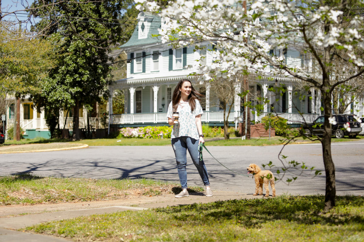 Historic walking tour with dog