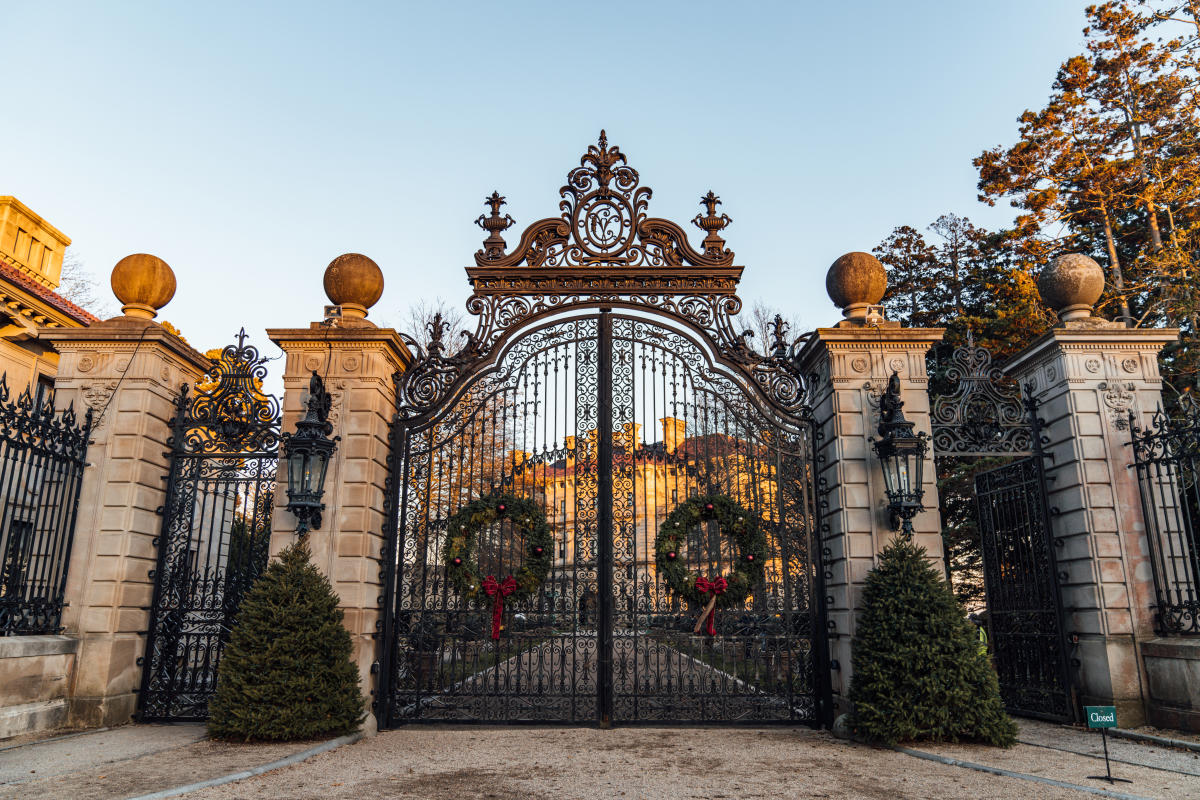 Christmas at the Newport Mansions