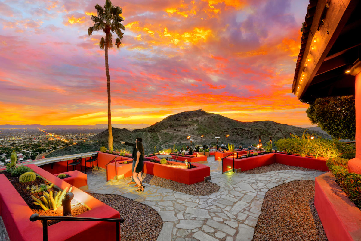 Different Pointe of View patio at sunset